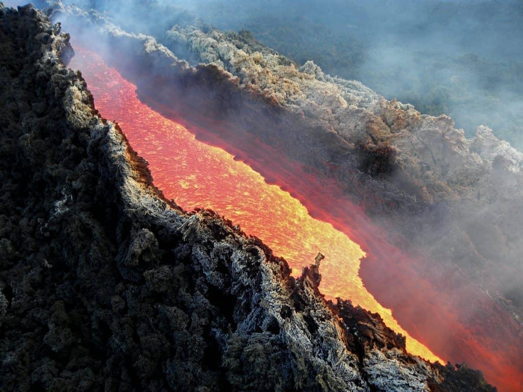 canale di lava etna