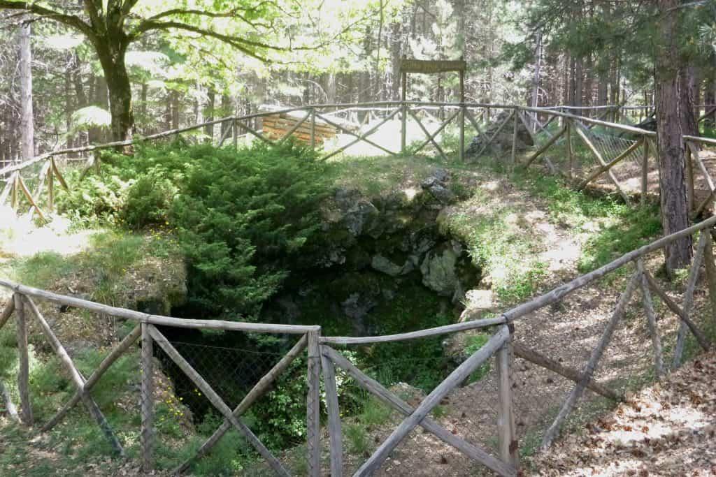 Grotta delle Palombe - Etna Nord