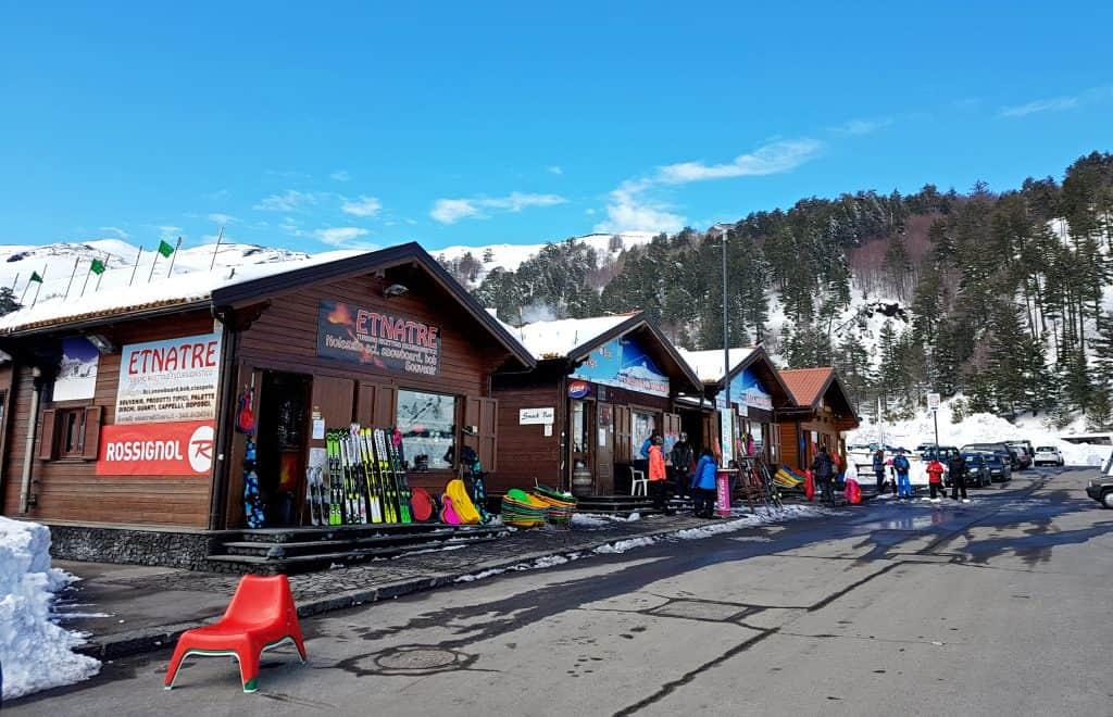 Noleggio sci e souvenir Piano Provenzana