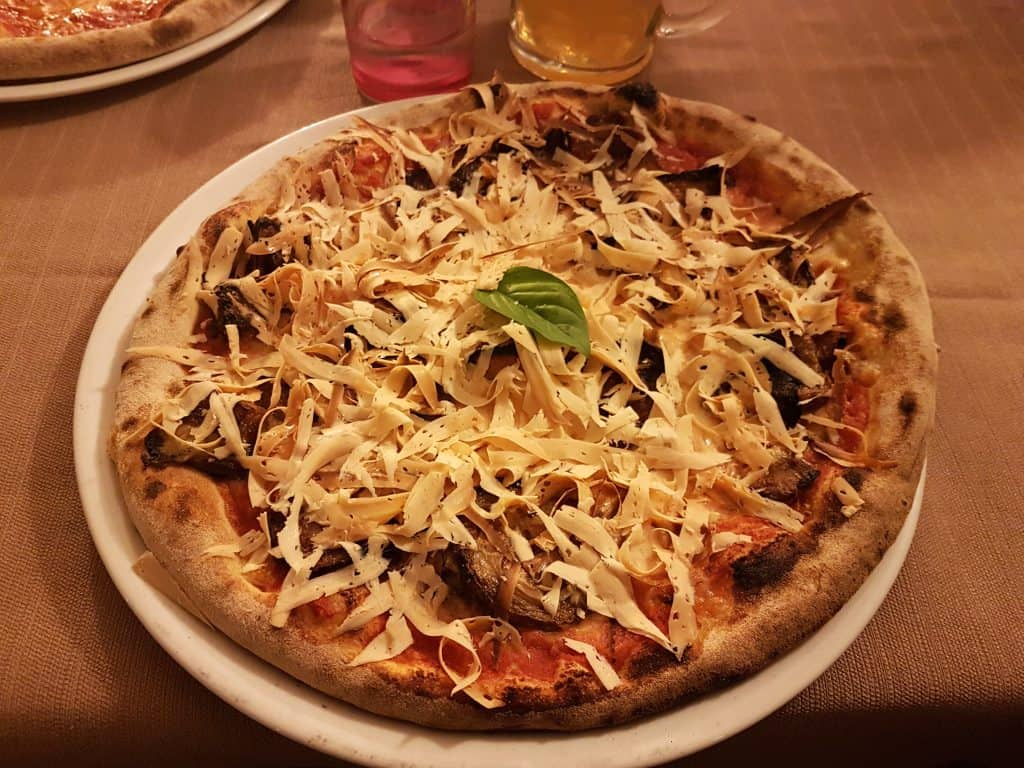 pizza alla norma siciliana