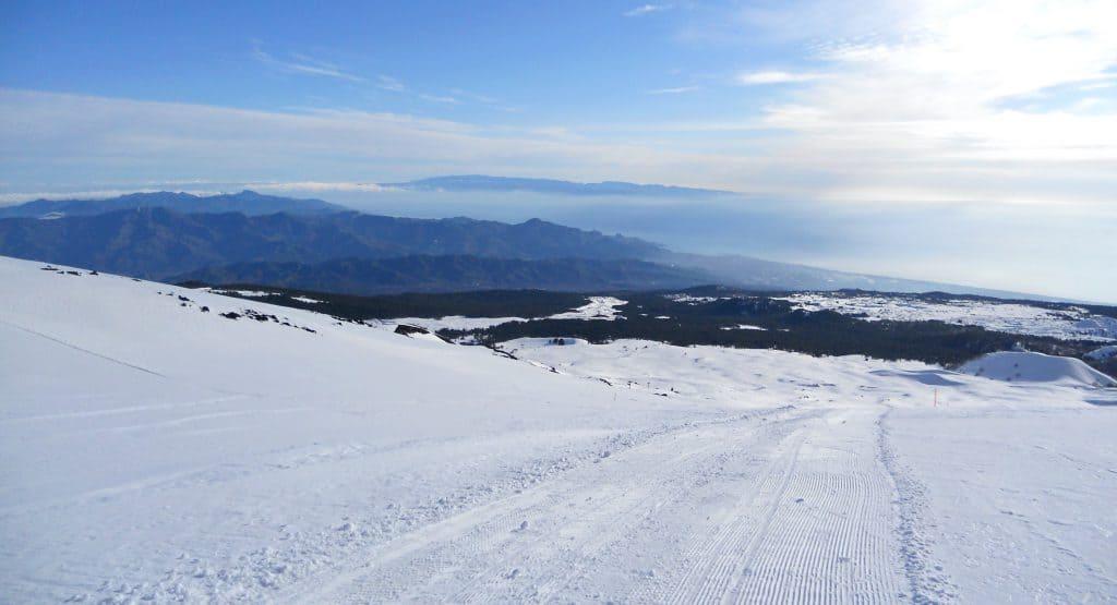 Vista mare pista di sci Piano Provenzana