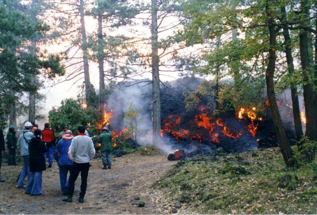colata lavica eruzione 2002