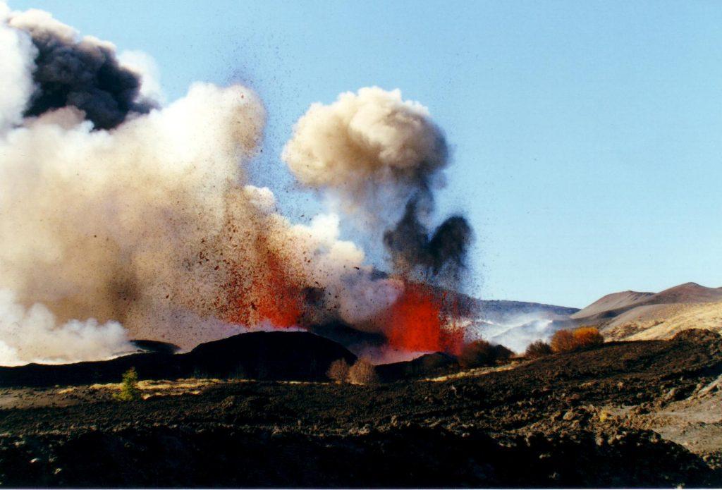 eruzione etna 2002