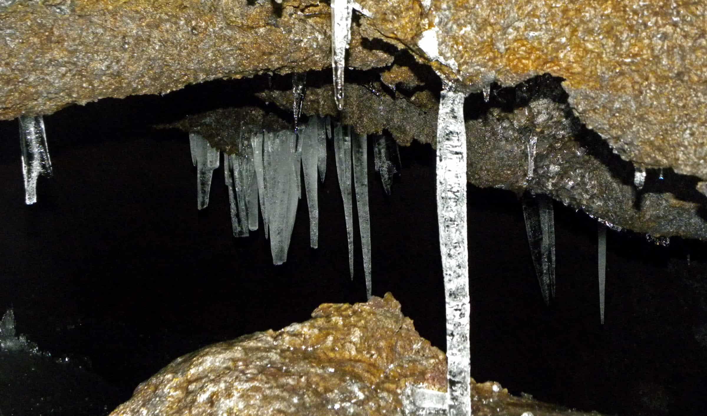 grotta del gelo interno