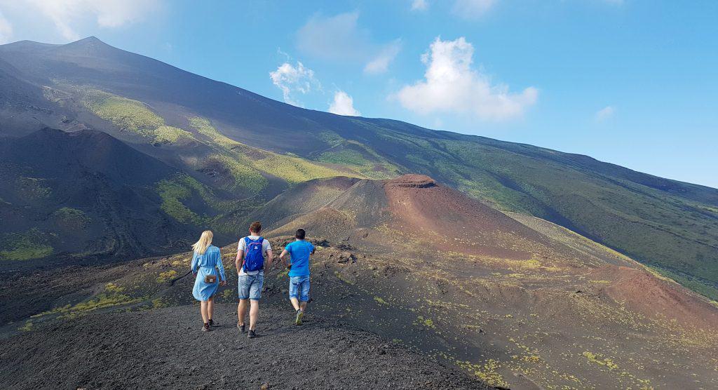 hike crateri silvestri etna sud