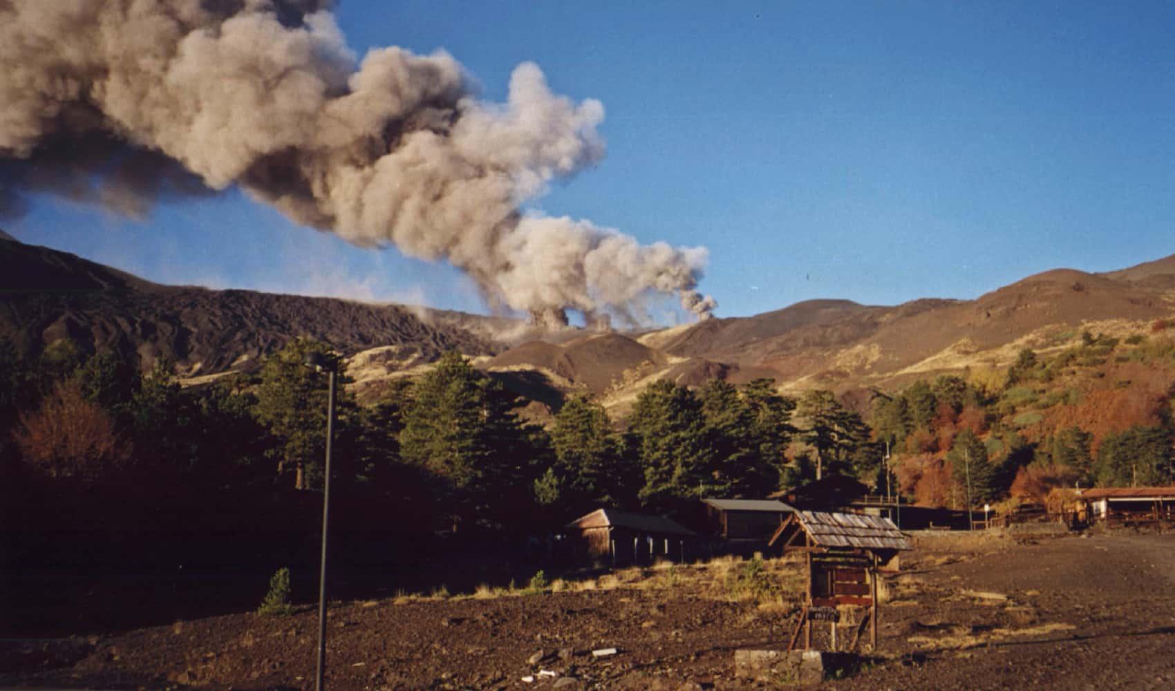 inizia eruzione 2002 etna