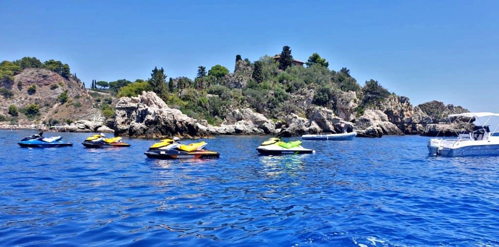 moto acqua taormina isola bella noleggio